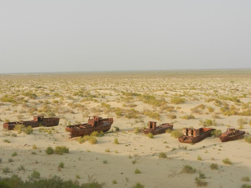 Statki napustyni – jak katastrofa ekologiczna została atrakcją dla turystów